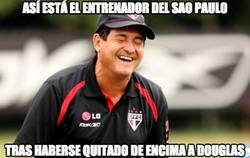 Enlace a En Sao Paulo todo son risas tras la venta de Douglas