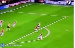 Enlace a GIF: Tremendo golazo de Ramsey. Gol de la Champions