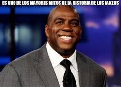 Enlace a Magic Johnson quiere que los Lakers pierdan todos los partidos