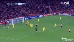 Enlace a GIF: San José adelanta al Athletic. Billete para la Champions League Naranja asegurado