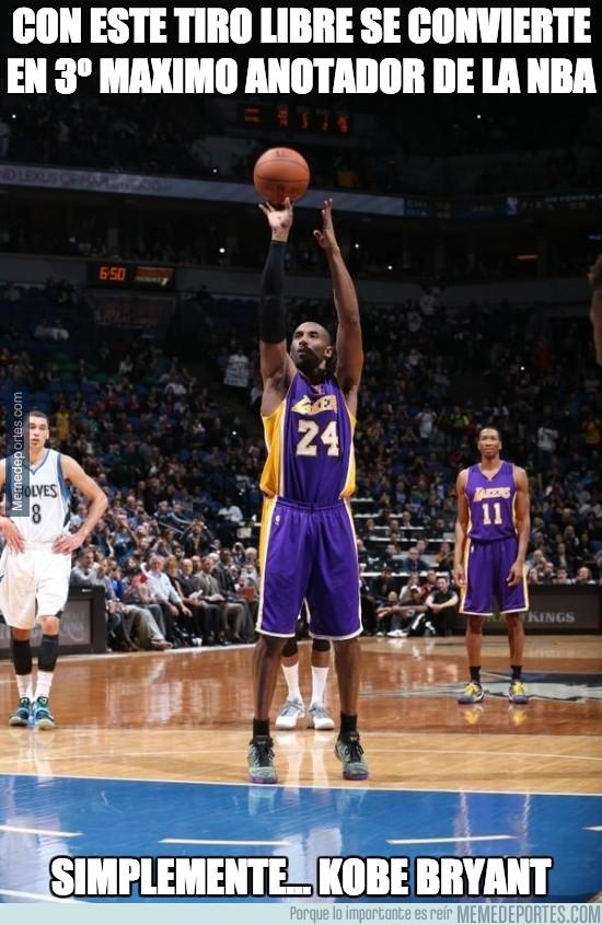 423433 - Con este tiro libre se convierte en 3º máximo anotador de la NBA