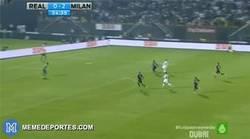Enlace a GIF: Cristiano tenía ganas de despedir el año con gol