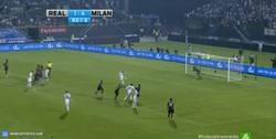 Enlace a GIF: Algo que pocas veces verás, penalti del Madrid no lanzado por Cristiano