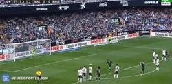 Enlace a GIF: Cristiano y los penaltis, una historia de amor demasiado vista. 0-1