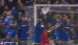 Enlace a GIF: Golazo de Gerrard que daba la victoria ante el Wimbeldon