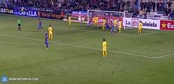 Enlace a GIF: Golazo olímpico en el Llagostera-Girona