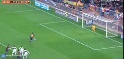 Enlace a GIF: Messi sentencia el partido de penalti 3-0