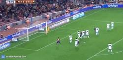 Enlace a GIF: Paradón del portero del Elche a falta de Messi