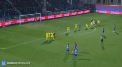 Enlace a GIF: ¿Atlético? B*tch please, el Eibar también sabe hacer jugadas ensayadas