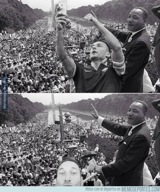 433197 - Totti haciendo historia, se cuela en el discurso de Martin Luther King