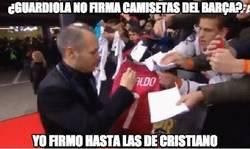 Enlace a ¿Guardiola no firma camisetas del Barça?