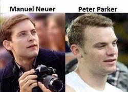 Enlace a Neuer y Peter Parker, parecidos razonables