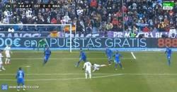 Enlace a GIF: Obús espectacular de Kroos al larguero