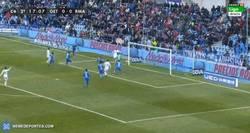 Enlace a GIF: Gran gol de Cristiano tras jugadón de Benzema