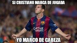 Enlace a ¿Messi marcando de cabeza?