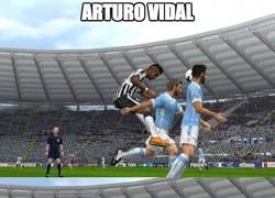 Enlace a Arturo Vidal marcándose un Zúñiga en el PES