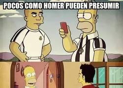 Enlace a Pocos como Homer pueden presumir de haber conocido a los dos Ronaldo