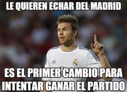 Enlace a Le quieren echar del Madrid