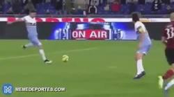 Enlace a GIF: La escalofriante lesión que tuvo Djordjevic en la victoria de la Lazio frente al Milan