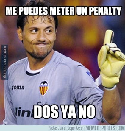 439348 - Diego Alves mantiene su media de 47% de penaltis parados