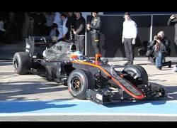 Enlace a VÍDEO: ¡Fernando Alonso pone en marcha el Mclaren-Honda!