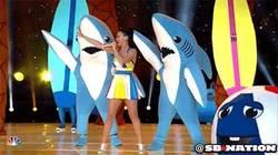 Enlace a GIF: Lo mejor de la Super Bowl: Katy Perry y los tiburones