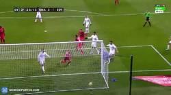 Enlace a GIF: ¡Gol de Aspas que mete al Sevilla en el partido!