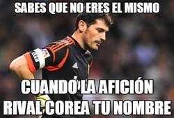 Enlace a El Calderón ovacionando a Casillas