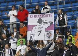 Enlace a Algunas muestras de respeto a Cristiano en el Bernabéu