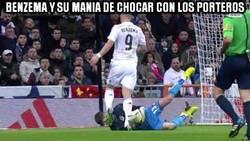 Enlace a Benzema y su manía de lesionar a porteros