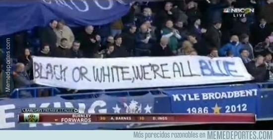 453290 - La pancarta de los aficionados del Chelsea tras los hechos en París #Respect