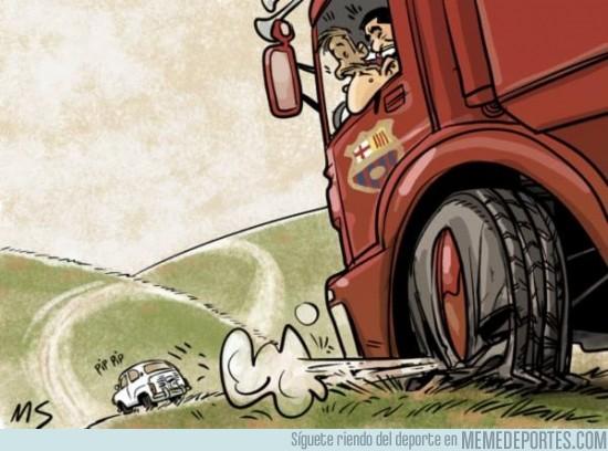 454534 - El gran camión del Barça pinchó ante el Málaga