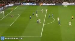 Enlace a GIF: Resumen del partido de Giroud