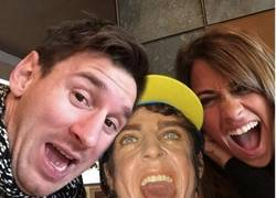 Enlace a Más chops del selfie de Messi