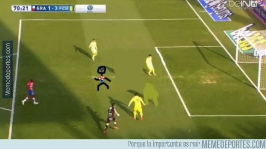 460168 - ¡El claro fuera de juego de Messi en su gol!