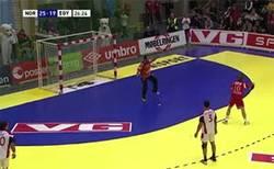 Enlace a GIF: Este noruego tira los penalties mejor que Cristiano