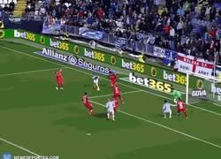 Enlace a GIF: Gol de Zlat... Ricardo Horta en el Málaga-Getafe