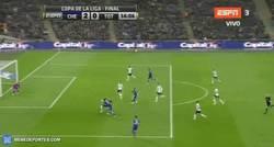 Enlace a GIF: Gol de Costa (2-0). Asistencia de Cesc
