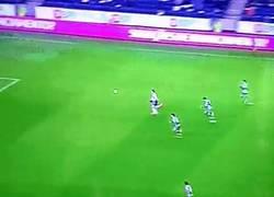 Enlace a GIF: Brutal asistencia de Jackson Martínez. Cuando la asistencia es mejor que el gol