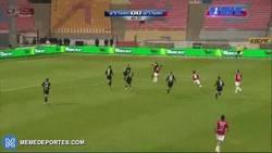 Enlace a GIF: Impresionante golazo en la Premier League israelí