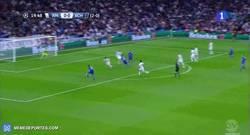 Enlace a GIF: El Schalke sorprende y se adelanta en el marcador