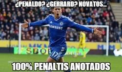 Enlace a Qué sangre fría la de Hazard lanzando penaltis