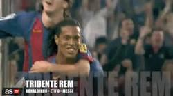 Enlace a GIF: Cuatro tridentes, siempre el mismo protagonista. Simplemente Messi
