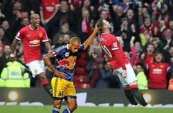 Enlace a Empiezan los chops de la celebración de Rooney