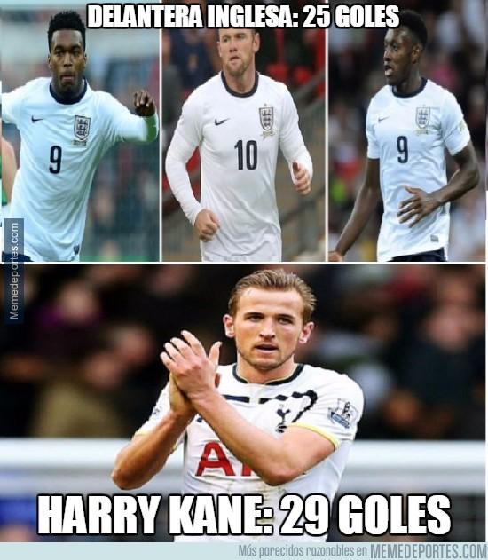 484677 - Los delanteros de la selección inglesa