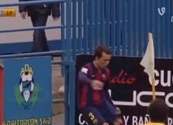 Enlace a GIF: Gran gol de Gumbau (Barça B) a lo Ibrahimovic