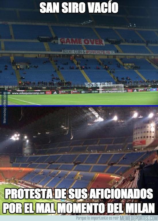 485084 - Así protestan los aficionados del Milan por el mal momento del equipo