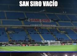 Enlace a Así protestan los aficionados del Milan por el mal momento del equipo