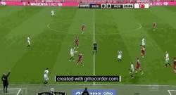 Enlace a GIF: Neuer también canta, como ésta contra el Borussia Monchengladbach