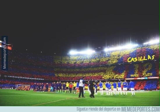 487077 - Homenaje a Iker, el jugador número 12 del Barça